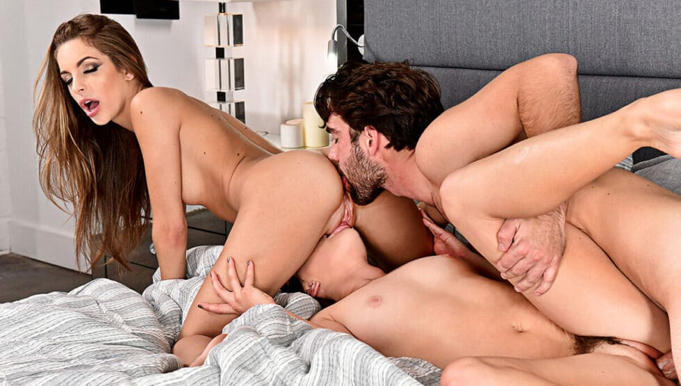 2 Chicks Same Tim – Hope Howell fucking in the bed… her natural tits – Hope Howell, Kimmy Granger
